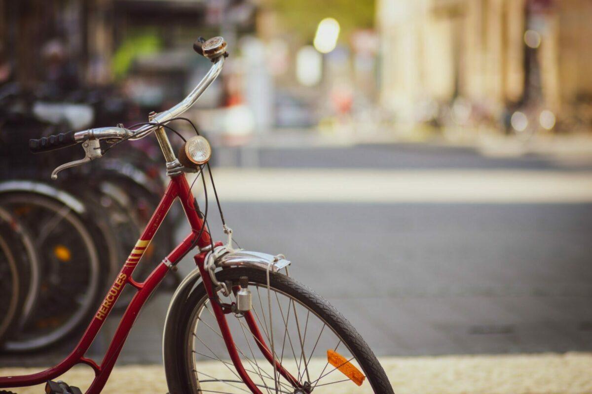 Damenrad Beleuchtung Klingel Felgenbremse Schutzblech Dynamo